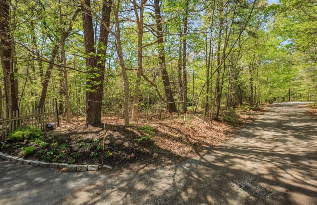 63 Old Country Rd - 63 Old Country Road, East Quogue, NY 11942