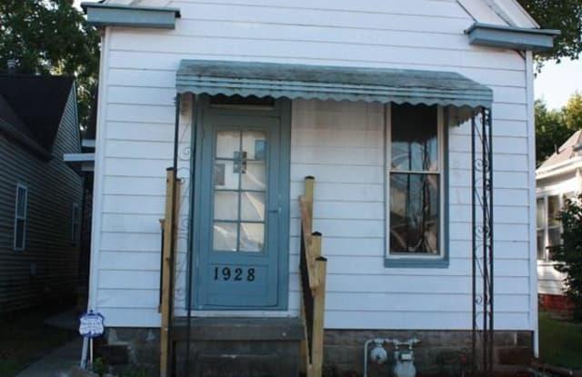 1928 E Oak St - 1928 East Oak Street, New Albany, IN 47150