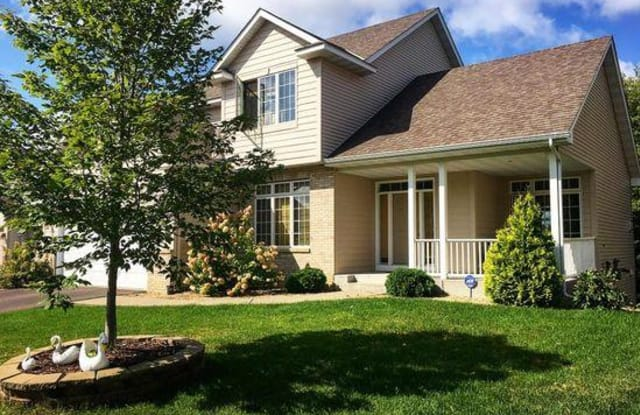 10755 Sailor Way - 10755 Sailor Way, Woodbury, MN 55129