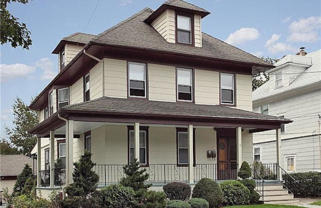 11 Sycamore Avenue - 11 Sycamore Avenue, New Rochelle, NY 10801
