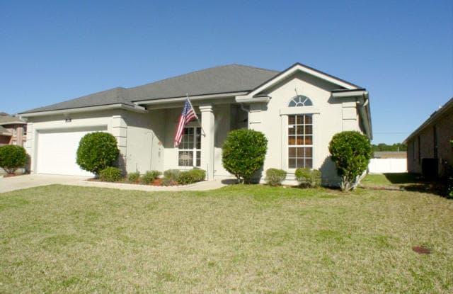 3730 BEDFORD DR - 3730 Bedford Drive, Lakeside, FL 32068