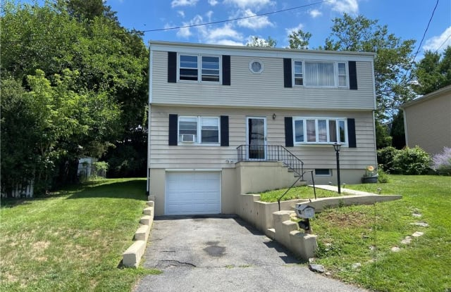 15 Westview Avenue - 15 Westview Avenue, Rye Brook, NY 10573