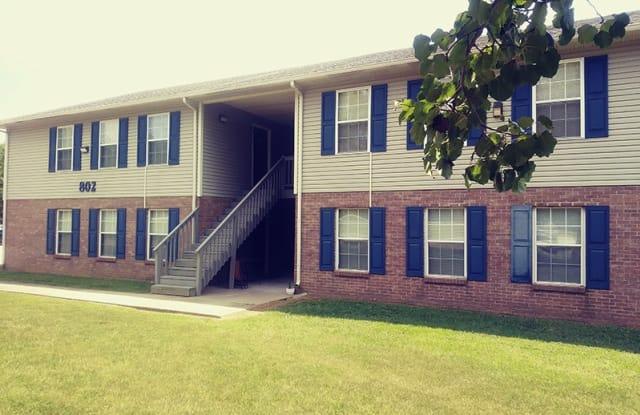 Cobblestone Apartments - 2430 Whitfield Rd, Clarksville, TN 37040