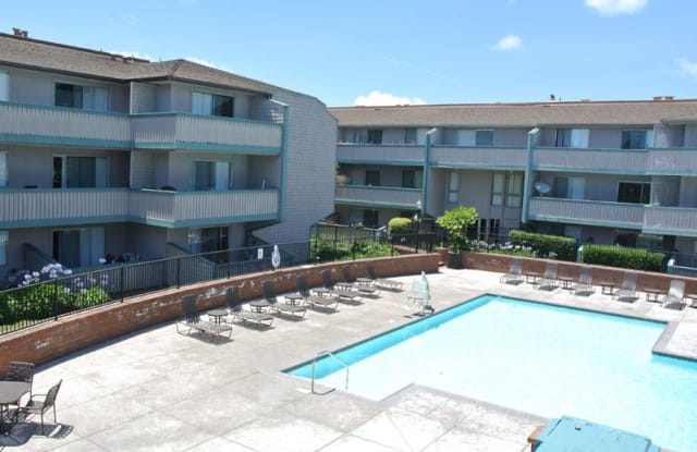 Harbor Cove - 900 E Hillsdale Blvd, Foster City, CA 94404