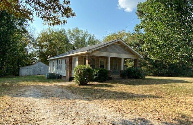 1231 CR 7 - 1231 County Road 7, Underwood-Petersville, AL 35633