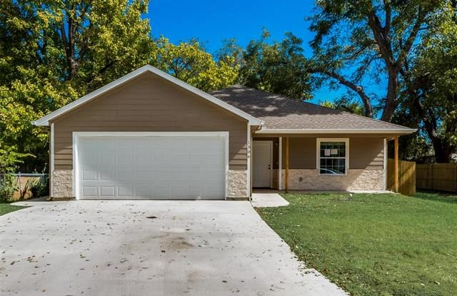 1506 N Buffalo Avenue - 1506 North Buffalo Street, Cleburne, TX 76033