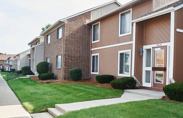 Amazing Woodbridge Apartments In Castleton In Home Interior And Landscaping Oversignezvosmurscom