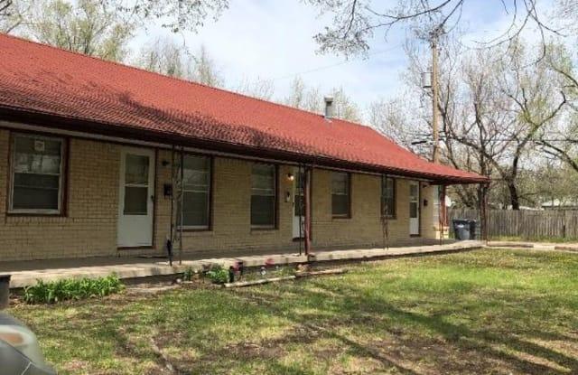 1822 S Bonn St 4 - 1822 South Bonn Avenue, Wichita, KS 67213