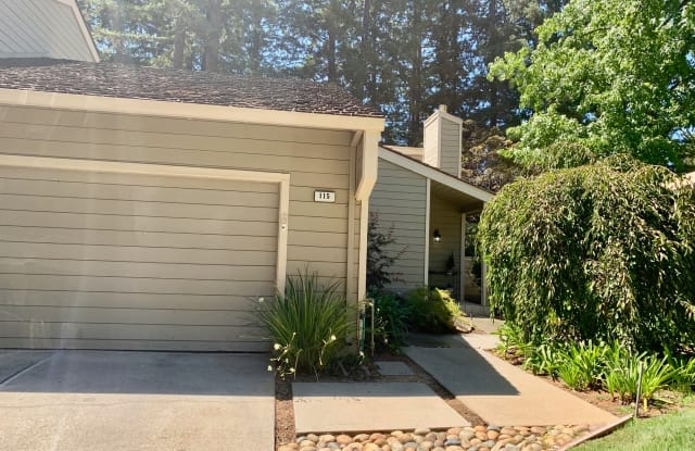 115 Strathmore Pl - 115 Strathmore Place, Los Gatos, CA 95032