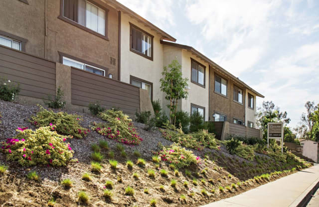 Vista Ridge - 300 South Monte Vista Street, La Habra, CA 90631