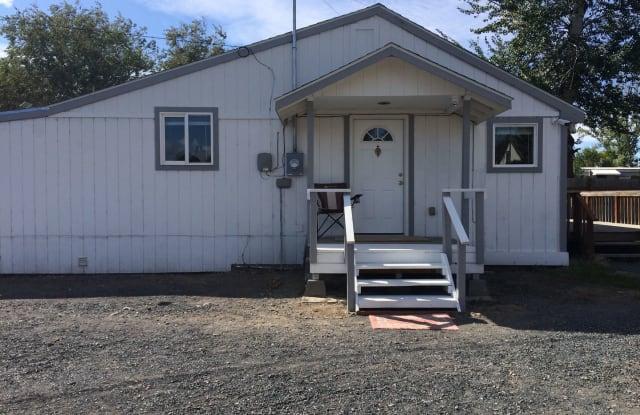 167 Moses Lake Ave - 167 Moses Lake Avenue Northwest, Lakeview, WA 98851