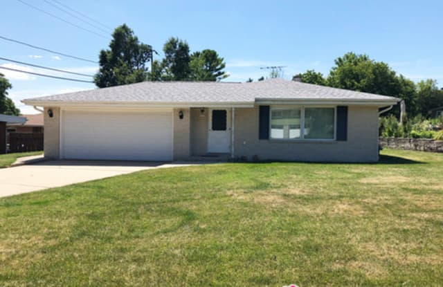 1707 Spruce Court - 1707 Spruce Court, South Milwaukee, WI 53172