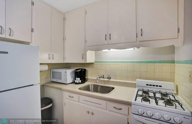 1108 NE 16th Terrace - 1108 Northeast 16th Terrace, Fort Lauderdale, FL 33304
