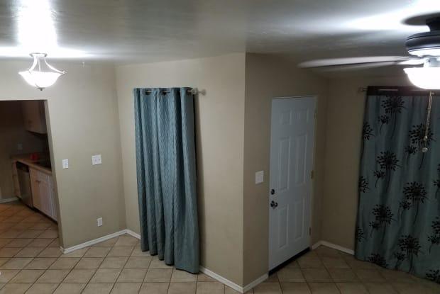 608 E Knox Drive - 608 East Knox Drive, Tucson, AZ 85705