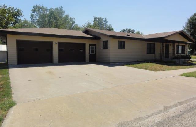 610 Logan - 610 North Logan Street, Chapman, KS 67431