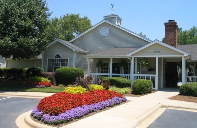 Avenues at Steele Creek - 13001 Yorkridge Dr, Charlotte, NC 28273