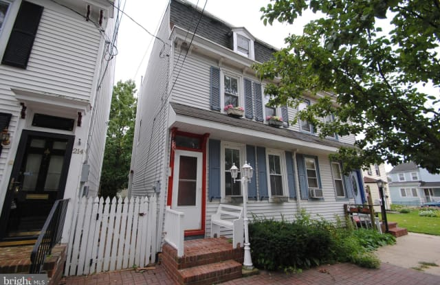 216 W PEARL STREET - 216 East Pearl Street, Burlington, NJ 08016