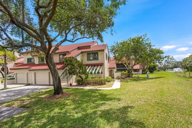 17 Lexington Lane W - 17 Lexington Lane West, Palm Beach Gardens, FL 33418