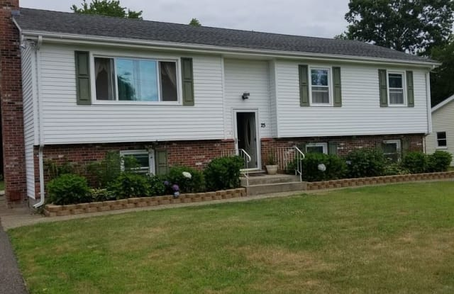 25 Kenyon Rd - 25 Kenyon Road, New London County, CT 06385