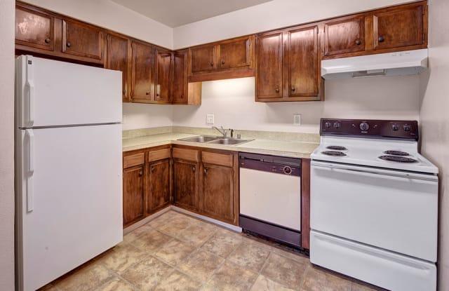 Castle Apartments - 915 W 27th Ave, Anchorage, AK 99503
