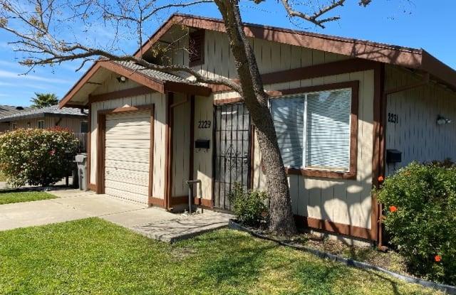 2229 16th Ave 2229 - 2229 16th Avenue, Sacramento, CA 95822