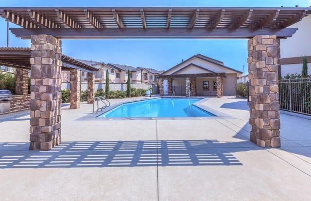 Sablewood Gardens - 2600 Sablewood Dr, Bakersfield, CA 93314