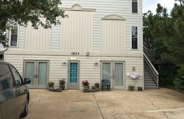 1824 E Ocean View Avenue - 1824 East Ocean View Avenue, Norfolk, VA 23503