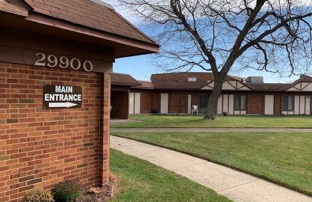 29900 GRAND OAKS DR - 29900 South Grand Oaks Drive, Warren, MI 48092