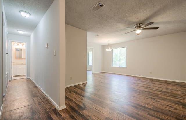 244 W McFarland Street - 244 West Mcfarland Street, Bells, TX 75414