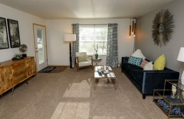 Heron Meadows Apartments - 721 Throne Dr, Eugene, OR 97402