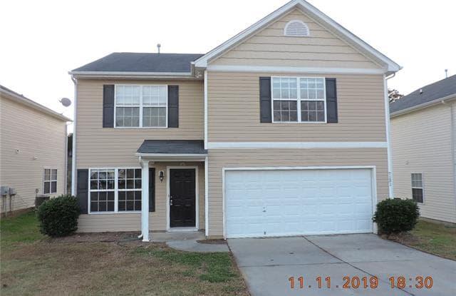 7131 Wandering Creek Drive - 7131 Wandering Creek Drive, Charlotte, NC 28216