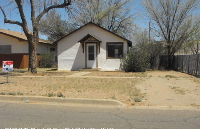 1009 N. Oak St. - 1009 North Oak Street, Clovis, NM 88101