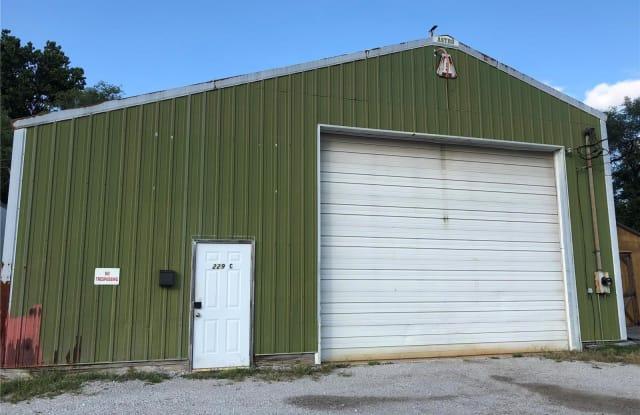 229 North Old Edwardsville - 229 N Old Edwardsville Rd, Wood River, IL 62084