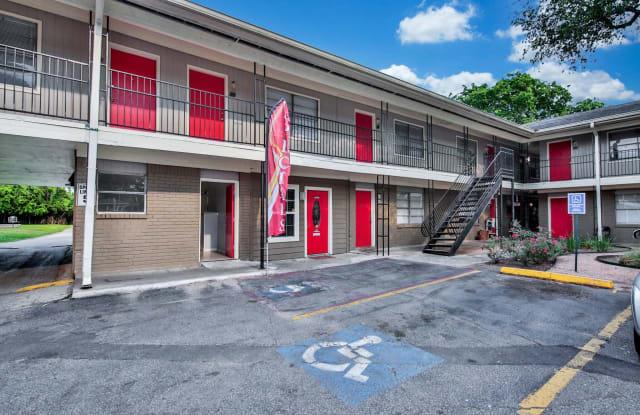 Court at Oak Forest - 4102 Mangum Rd, Houston, TX 77092