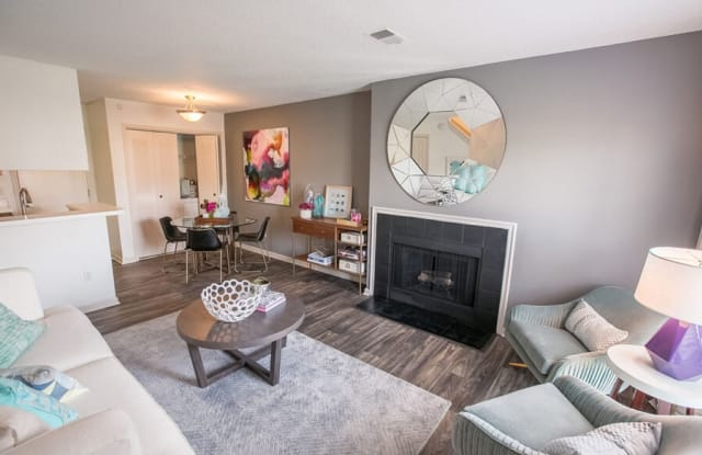 Williamsburg Townhomes Rental Homes