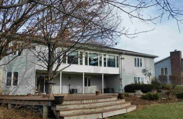 4807 TORREY PINES Court - 4807 Torrey Pines Court, Davenport, IA 52807