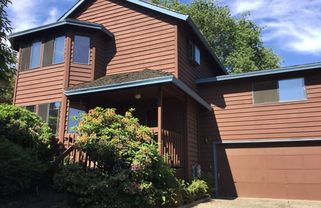 14185 SW 98TH CT - 14185 Southwest 98th Court, Tigard, OR 97224