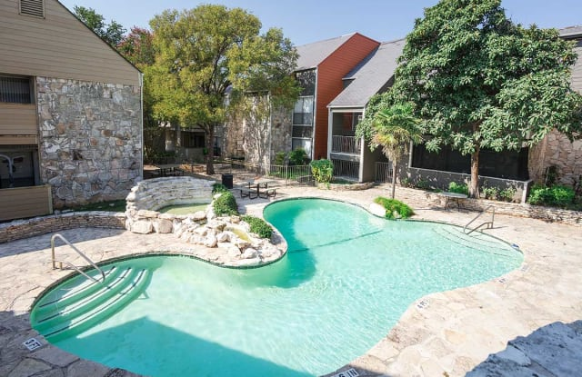 OakStone Apartment Homes - 2600 NE Loop 410, San Antonio, TX 78217