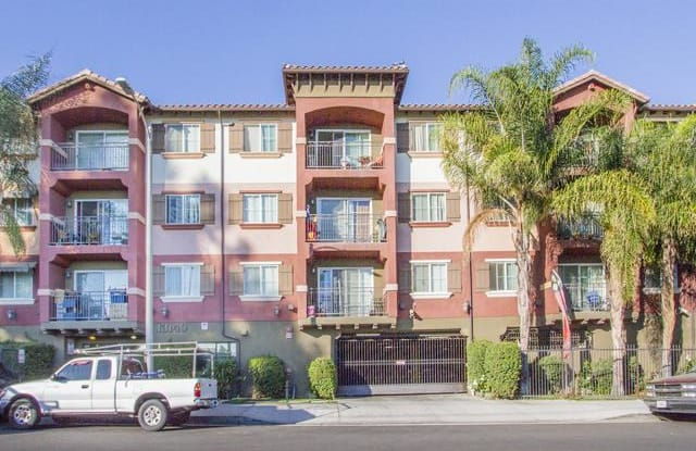 Dronfield Mountain View - 13140 N Dronfield Ave, Los Angeles, CA 91342