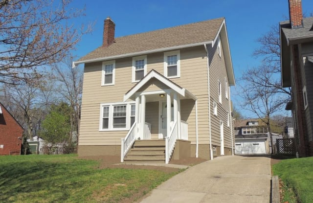 907 Yellowstone Rd - 907 Yellowstone Road, Cleveland Heights, OH 44121