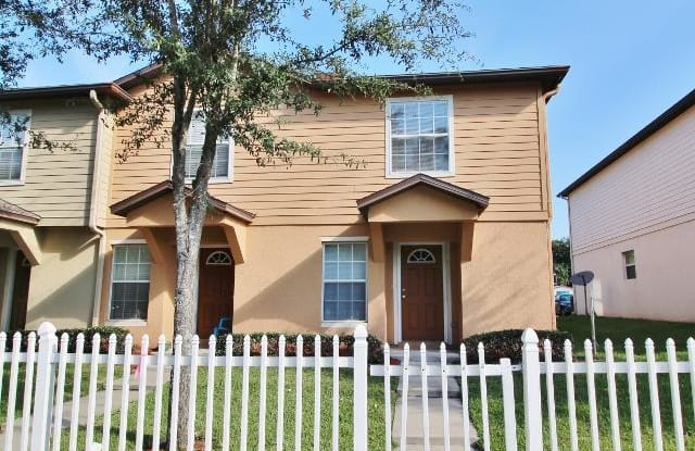 8432 MCGIRTS VILLAGE LN - 8432 Mcgirts Village Ln, Jacksonville, FL 32210