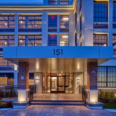 Montclair Residences At Bay Street Station Apartments
