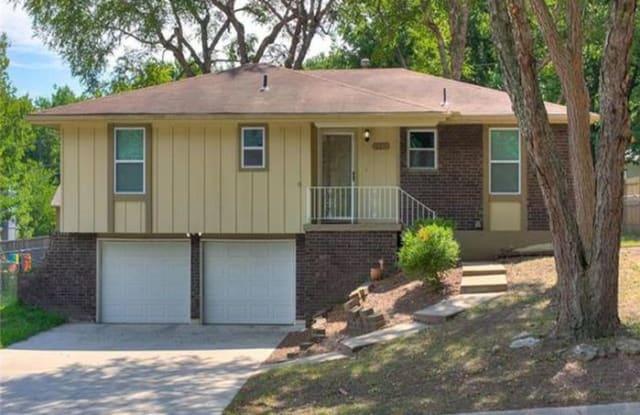2504 Northwest 4th Street - 2504 Northwest 4th Street, Blue Springs, MO 64014