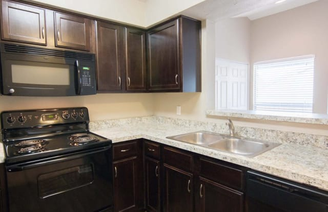Ashford Northwest Apartment Homes - 2301 NW 122nd St, Oklahoma City, OK 73120