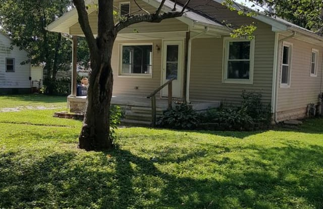 1825 S 27th St - 1825 South 27th Street, Terre Haute, IN 47803