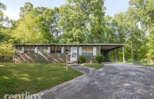 530 Oak Hills Rd SW - 530 Oak Hills Road, Mableton, GA 30126
