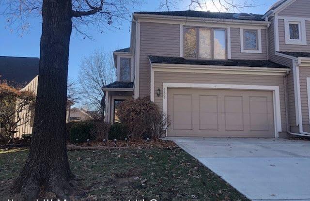 8405 W 119th Terr - 8405 West 119th Terrace, Overland Park, KS 66213