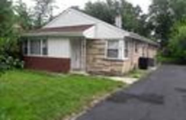 284 Calumet Boulevard - 284 Calumet Boulevard, Harvey, IL 60426