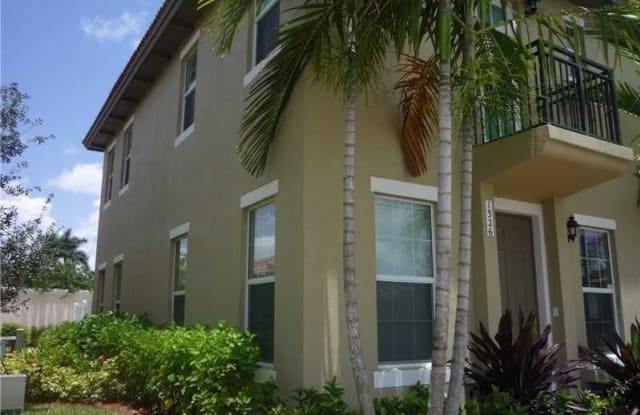 1326 SW 147th Ter - 1326 Southwest 147th Terrace, Pembroke Pines, FL 33027