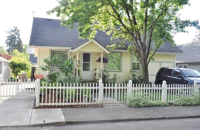 725 NW Birch Street - 725 Northwest Birch Street, McMinnville, OR 97128